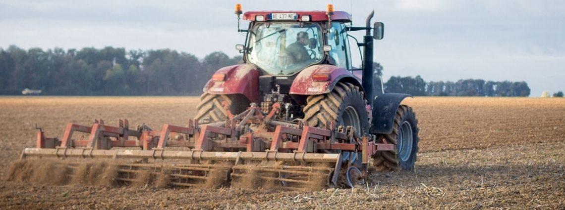 Tracteur travail du sol